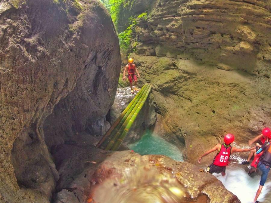 badian-canyoneering-big-jump