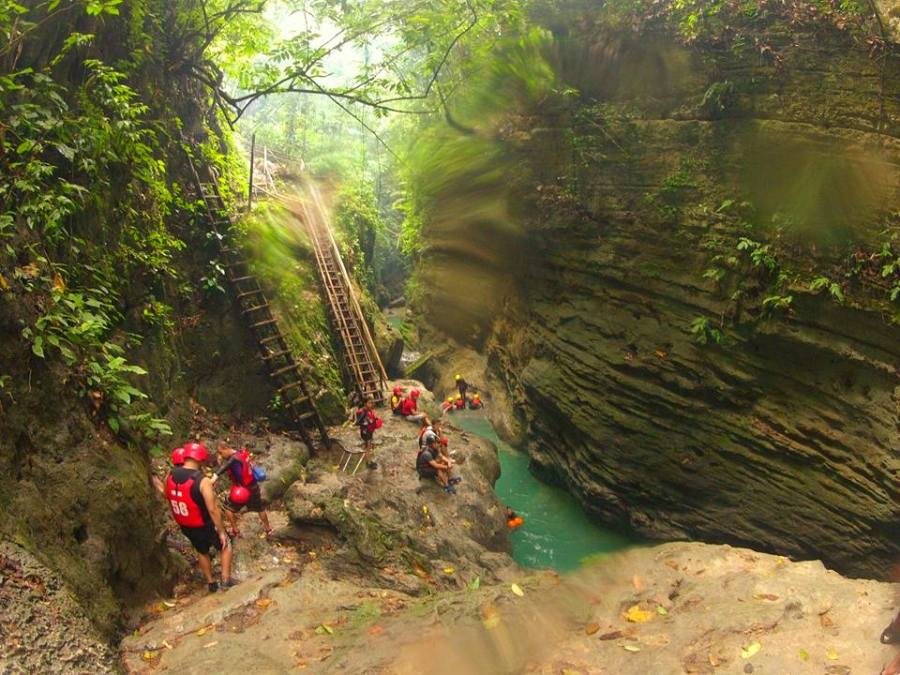 badian-canyoneering-big-rock