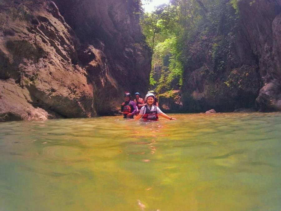 badian-canyoneering-swimming